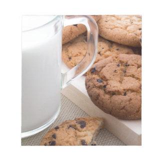 Milch- und Hafermehlplätzchen mit Schokolade Notizblock