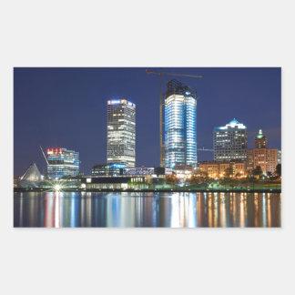 Milwaukee-Skyline nachts Rechteckiger Aufkleber