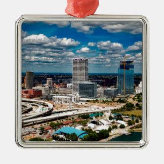 Milwaukee-Skyline Quadratisches Silberfarbenes Ornament