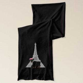 Minimales Button in Paris Schal
