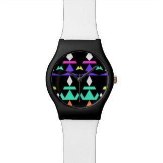 Minimales Mehrfarbenstammes- Armbanduhr