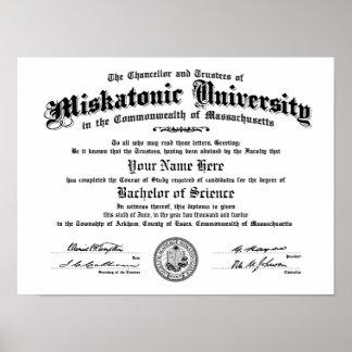 Miskatonic Hochschuldiplom -- Tippen Sie Ihren Nam Poster