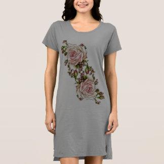 Mit Blumen Kleid