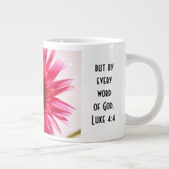 Mit Blumen mit Schrifts-Vers, rosa Jumbo-Mug