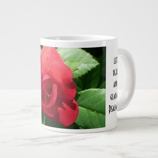 Mit Blumen mit Scripture-Vers, Rote Rose Jumbo-Tasse