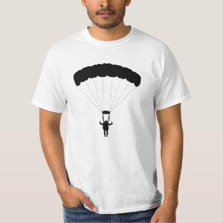 Mit Fallschirm abspringenmann-Silhouette T-Shirt