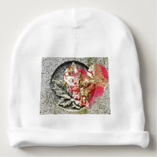 Mit Filigran geschmücktes Fraktal Liebekanadas Babymütze