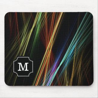 Mit Monogramm abstrakte Mehrfarbenlinien Muster Mousepad