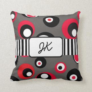 Mit Monogramm rotes, graues, schwarzes Kissen