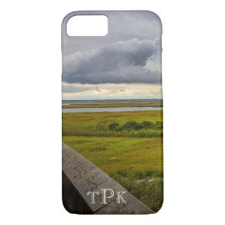 Mit Monogramm stürmischer Himmel über Bucht iPhone iPhone 8/7 Hülle