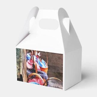 Mittagessen-Korb in einem Raum-Schulhaus Geschenkschachtel