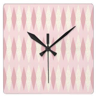 Mitte- des Jahrhundertsmoderne rosa Quadratische Wanduhr