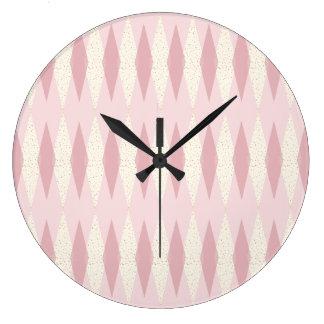 Mitte- des Jahrhundertsmoderne rosa Rauten-runde Große Wanduhr
