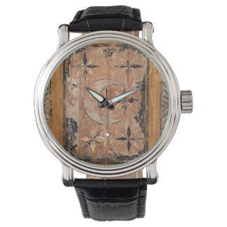 mittelalterliche hölzerne Malereikunst Vintages Armbanduhr