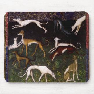 Mittelalterliche Windhunde im tiefen Holz Mauspad