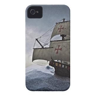 Mittelalterliches Carrack im Sturm iPhone 4 Hüllen