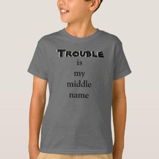 Mittlerer Name des frechen Problems scherzt Shirt