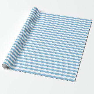 Mittleres hellblaues und Weiß Stripes Packpapier