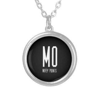 MO Wifey zeigt Gang Versilberte Kette