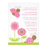 Mod-Baby hört Geburtstags-Einladung ab
