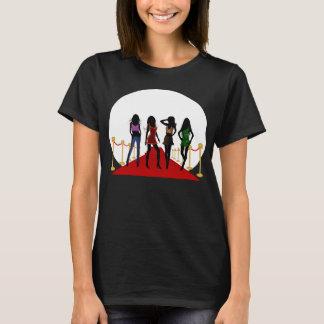 Mode-Mädchen-Modelle auf den T - Shirts der roter