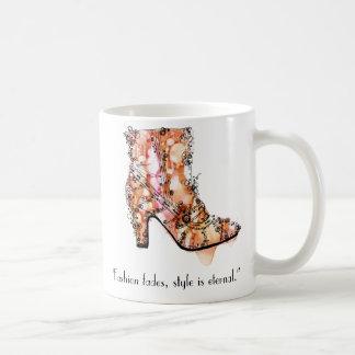 """Mode verblaßt, Art ist ewig "" Kaffeetasse"