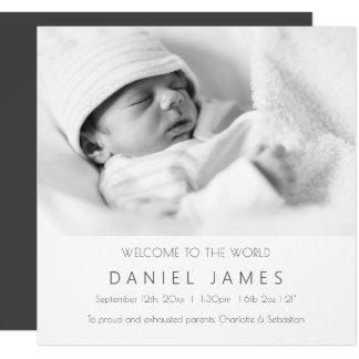 Moderne Baby-Mitteilungs-personalisiertes Foto Quadratische 13,3 Cm Einladungskarte