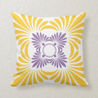 Moderne BlumenWurfs-Kissen: Lila Gelb Kissen