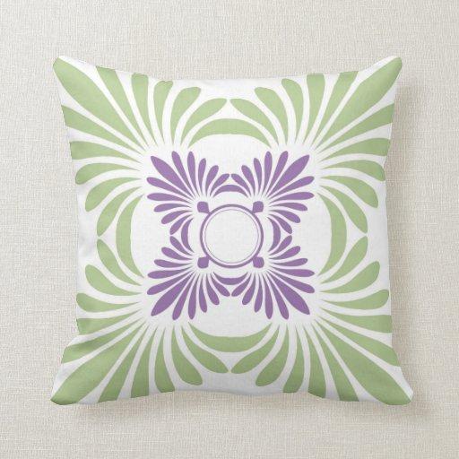 moderne blumenwurfs kissen lila gr n zazzle. Black Bedroom Furniture Sets. Home Design Ideas