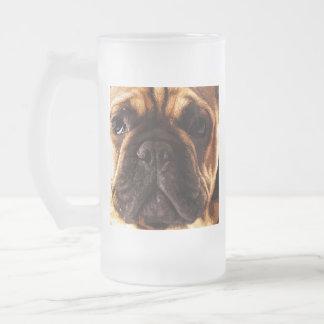 moderne braune große französische Bulldogge Mattglas Bierglas