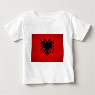 Moderne nervöse albanische Flagge Baby T-shirt