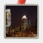 Moderne Wolkenkratzer von Philadelphia im Stadtzen Weihnachtsbaum Ornament