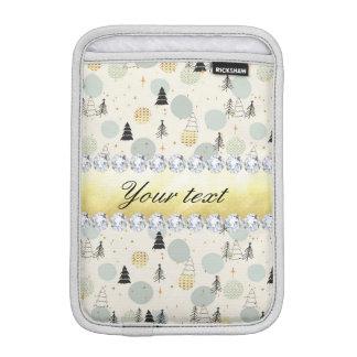 Moderner Weihnachtsbaum-Schnee spielt Diamanten iPad Mini Sleeve