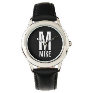 Modernes personalisiertes Monogramm und Name Uhr