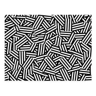 Modernes Schwarzweiss-Streifen-Collagen-Muster Postkarte