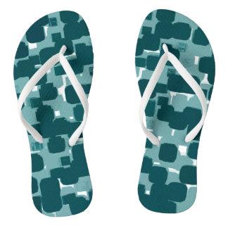 Modernes stilvolles aquamarines abstraktes Muster Flip Flops