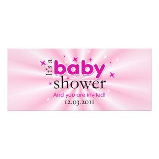 Modernes Text-Rosa hat lustiges Baby-Duschen-Party Individuelle Einladungen