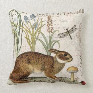 modernes Vintages französisches Kaninchen im Kissen