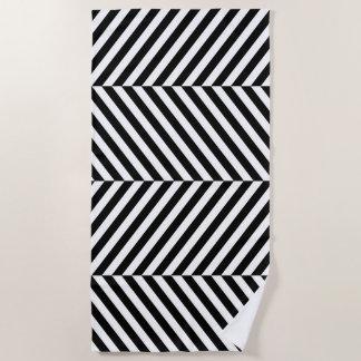 Modernes Zickzack Streifen-Schwarzweiss-Muster Strandtuch