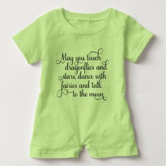 Mögen Sie mit Feen irischem Segen tanzen Baby Strampler