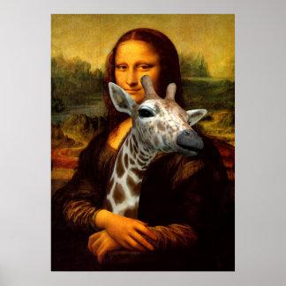 Mona Lisa hält eine niedliche Giraffe Poster