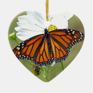 Monarch auf Kosmos Keramik Herz-Ornament