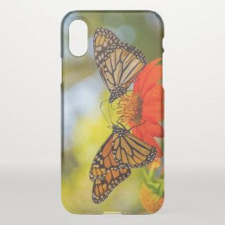 Monarch-Schmetterlinge auf Wildblumen iPhone X Hülle