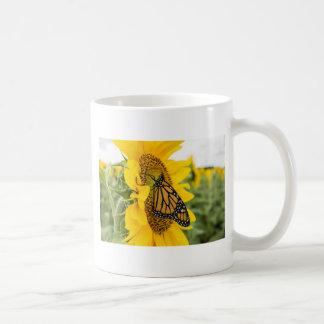 Monarchfalter auf einer Sonnenblume Kaffeetasse