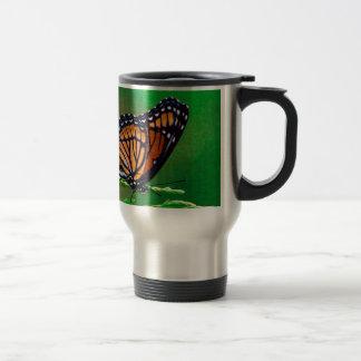 Monarchfalter-Schönheit gemalt Reisebecher
