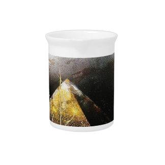 MOND AUF pyramidisiert .1.JPG Krug