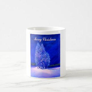 Mond betrachtet Weihnachtsbäume Tasse