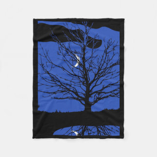 Mond mit Baum, Kobalt-Blau, Schwarzweiss Fleecedecke