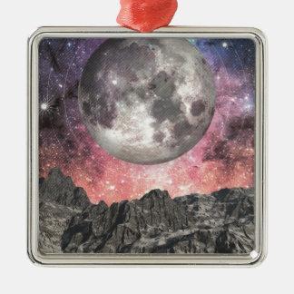 Mond über Mountainsee Quadratisches Silberfarbenes Ornament