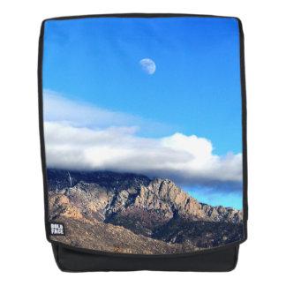 Mond und Wolken über Sandias Rucksack
